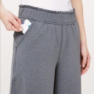 lululemon athletica Pants - New LULULEMON Hello Sunday Crop HSTB Blue Gray 6